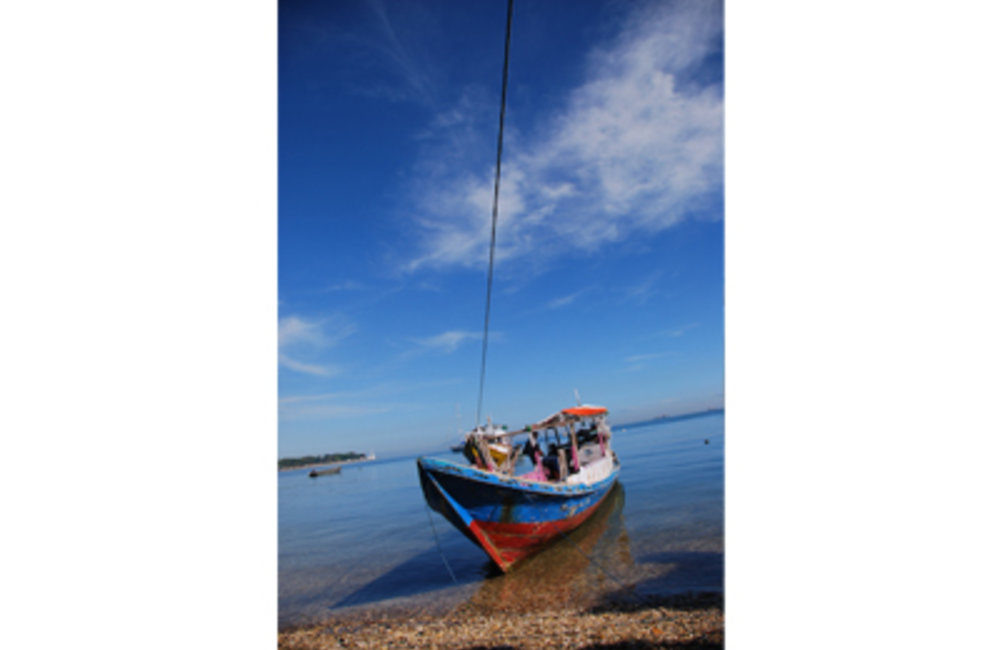 According to the Ministry of Agriculture and Fisheries, fishermen use very small boats along the coa