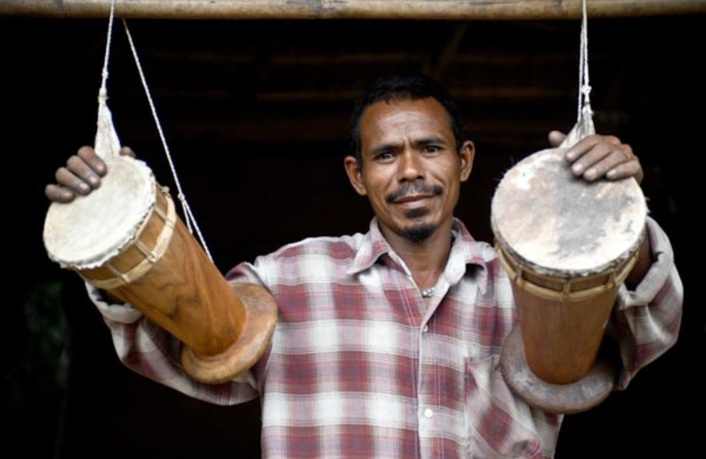 Since 1999, Januario Manaha from Ilimanu in Manatuto district has been making babadoks, Timorese tra