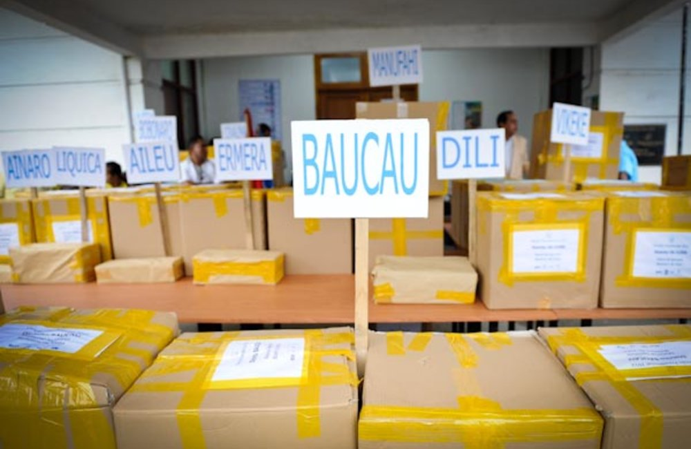 On 13 March, STAE sent over 740,000 ballots to the 13 districts after amending them to reflect the d
