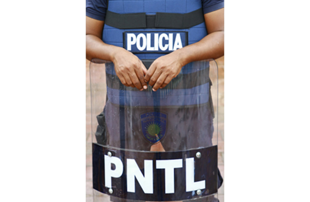 On 15 March, PNTL and UNPOL officers deployed to all 13 districts in preparation for the Presidentia