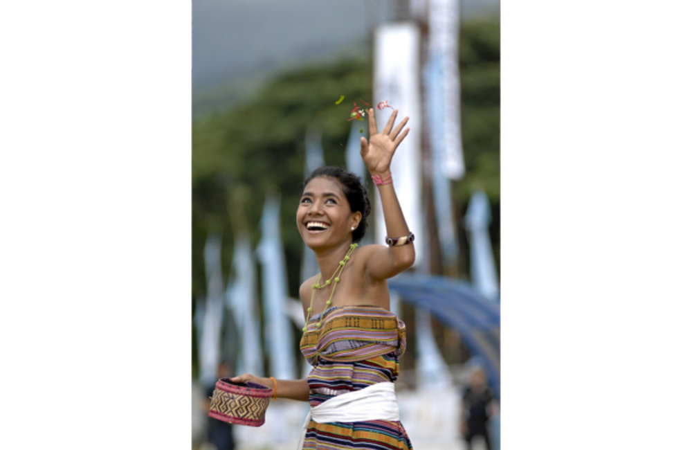 "Young woman performs the traditional Timorese ""Bidu"" dance. Photo by Bernardino Soares/ UNMIT"