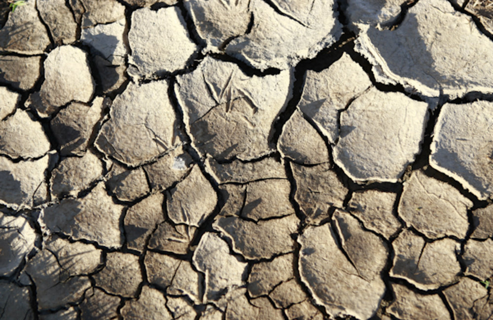 Dry cracked land in Manatuto. Photo UNMIT/Martine Perret