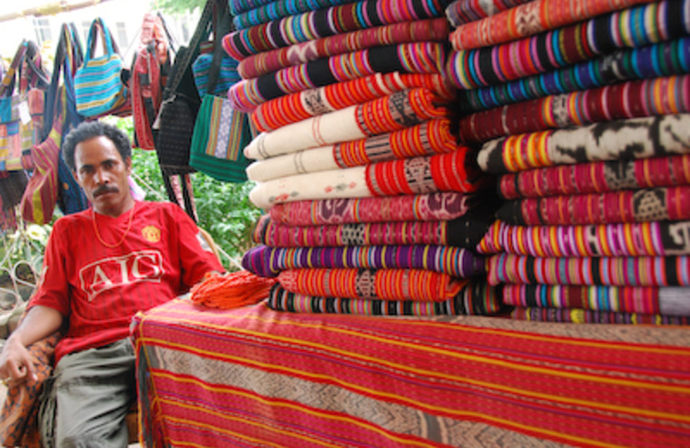 In Timor-Leste, tais are woven cloth used to make traditional clothes worn at ceremonies such as bir