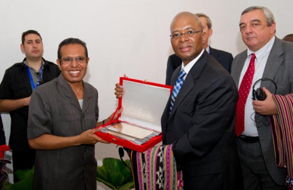 President of Timor-Leste Taur Matan Ruak gives a souvenir to His Excellency Baso Sangqu of South Afr